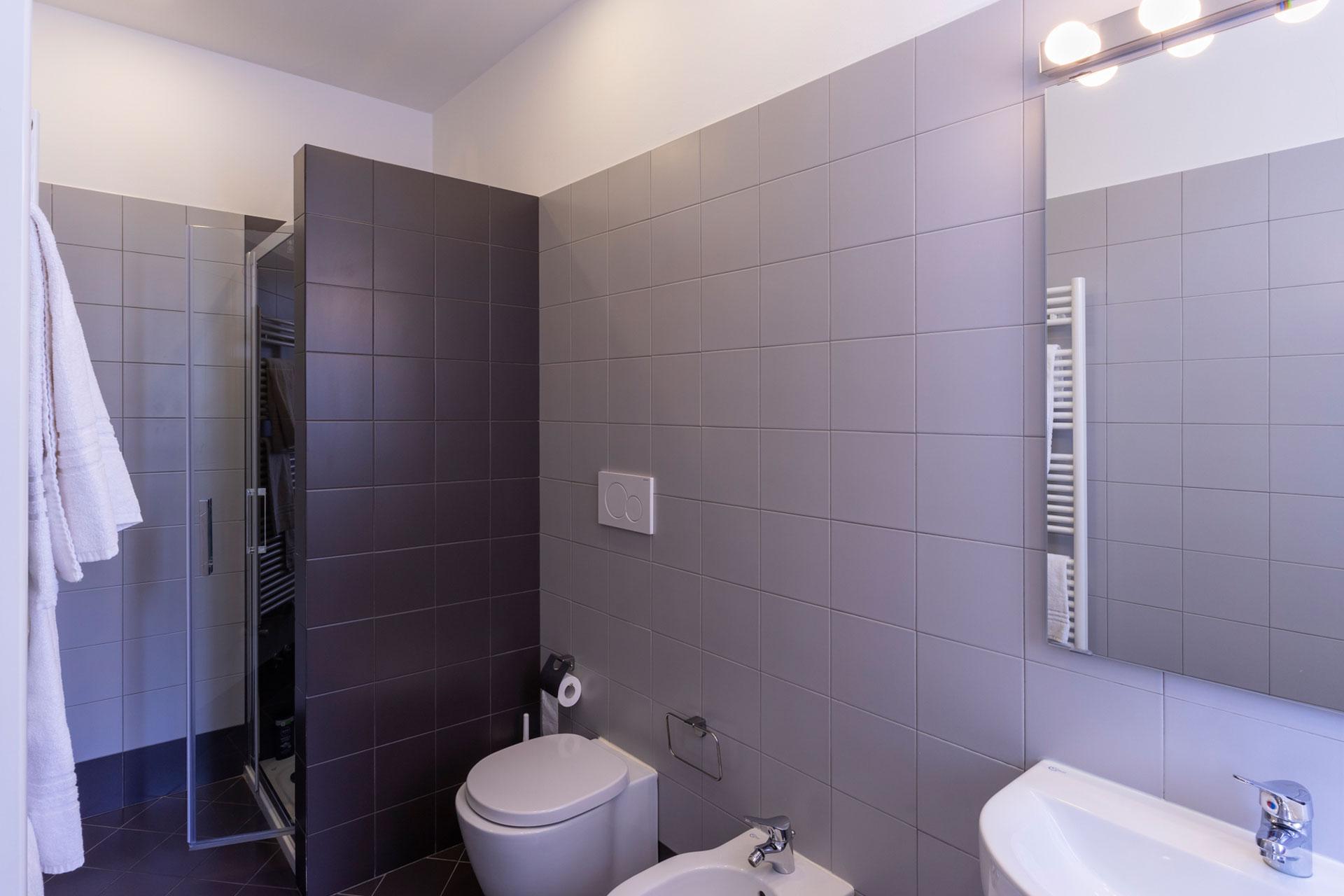 bathroom-3ax